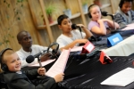 ph-y-mambert-travail-jeunes-radio-declic-a-roger-semat-sur-future-du-quartier-11-05-2012-15