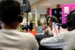 ph-y-mambert-travail-jeunes-radio-declic-a-roger-semat-sur-future-du-quartier-11-05-2012-78