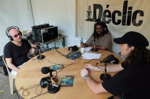 Franck le chanteur et Phil le batteur au micro de radio déclic
