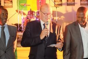 Le Maire de St Denis et Bally Bagayoko, vice président du Conseil général, avec une délégation d'élus Maliens