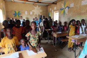 Classe de primaire du village de Pathé Gallo